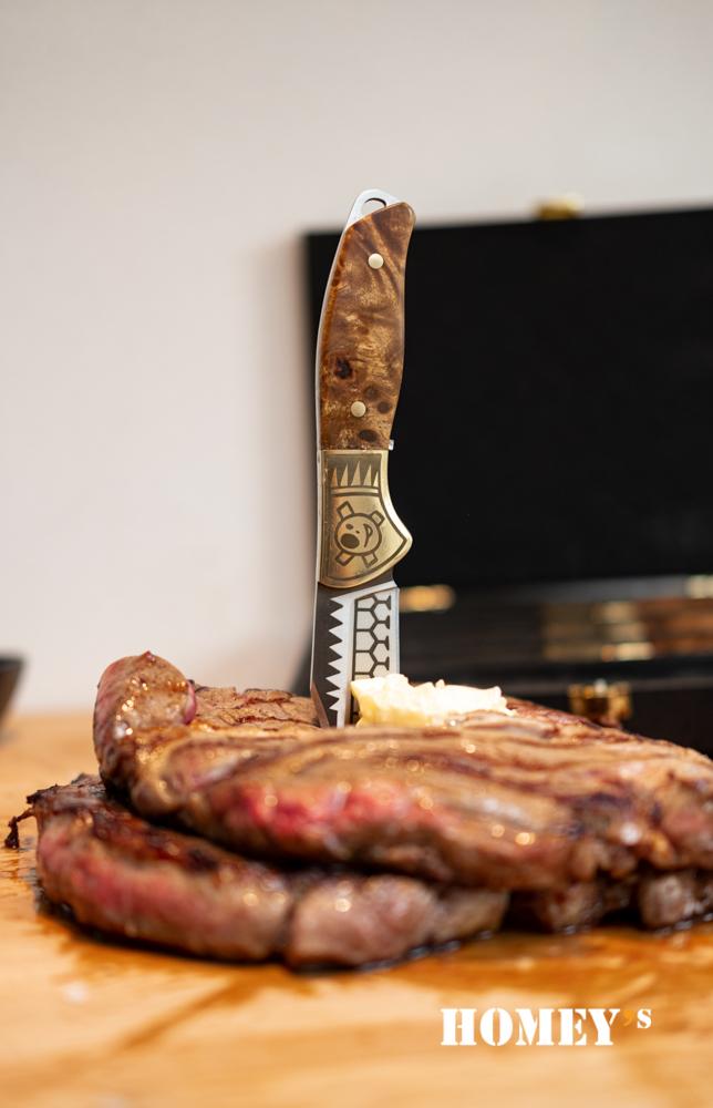 Schiffmacher Steakknives by Henk Schiffmacher - Photo by Elke Naber